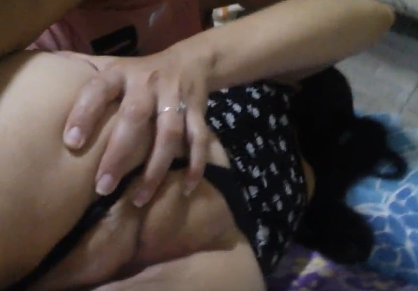 filmando o rabo delicioso da esposa