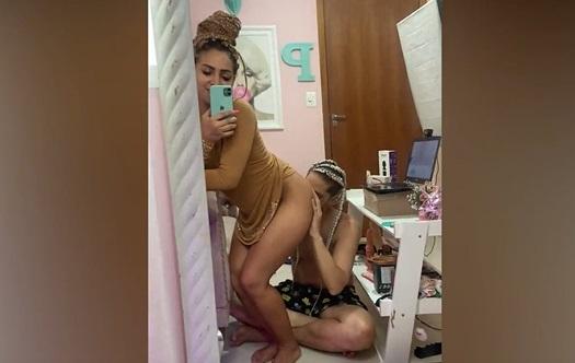 Casal de dread cabelo fazendo sexo