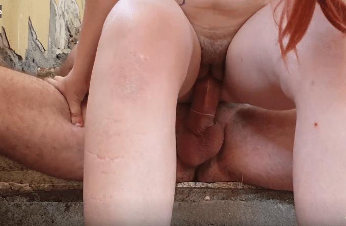 Sexo na casa abandona com a ruivinha boqueteira