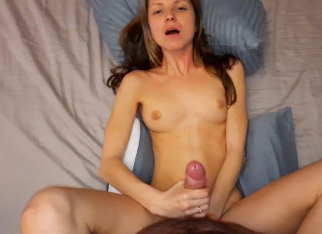 Pornô da Gina Gerson levando rola na bucetinha molhada